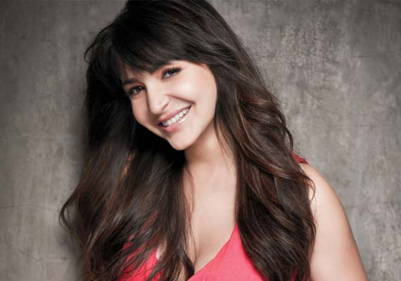 I Feel Naked – Hot Anushka Sharma in Koffee with Karan