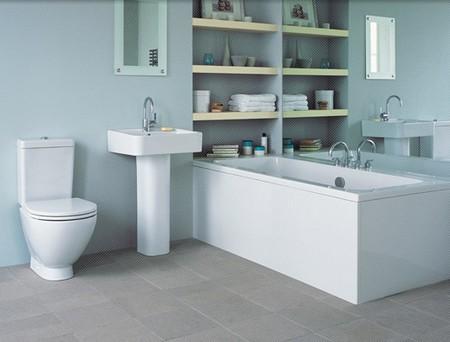 A Fully White Bathroom