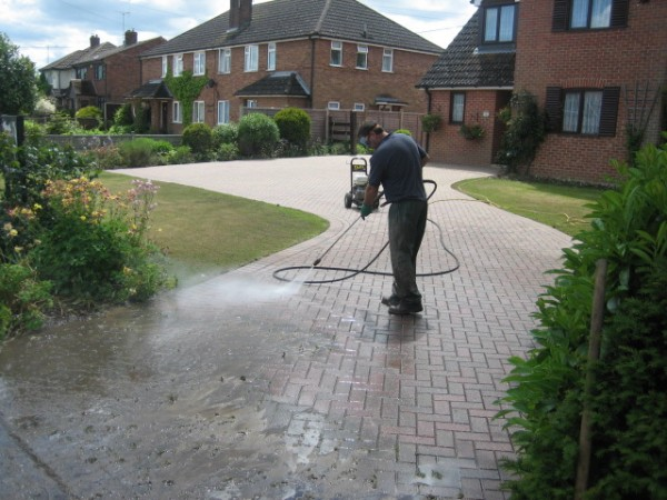 5 Tips To Cleaning Your Block Paving Driveway
