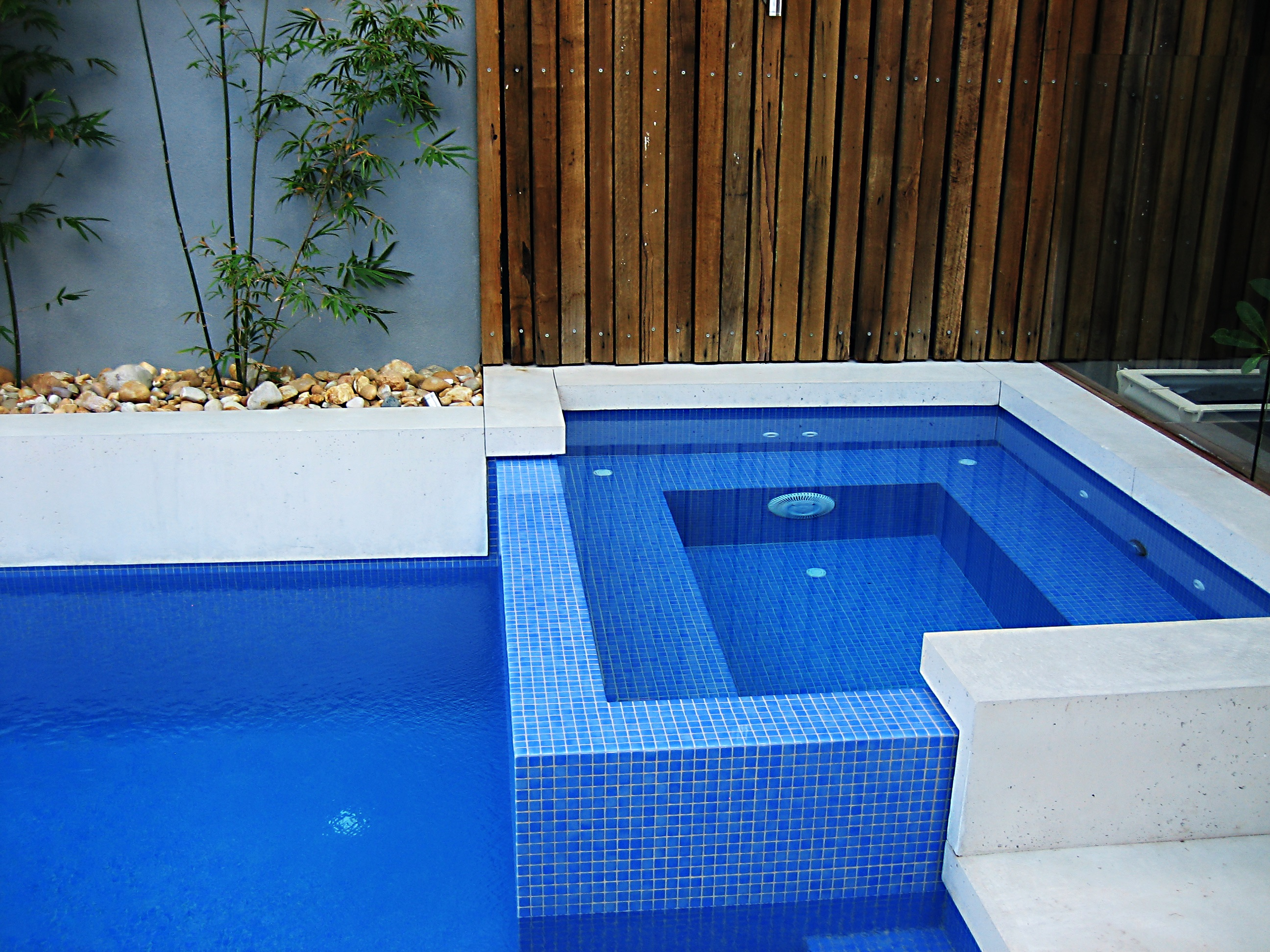 Easy Ways To Select Swimming Pool Builder