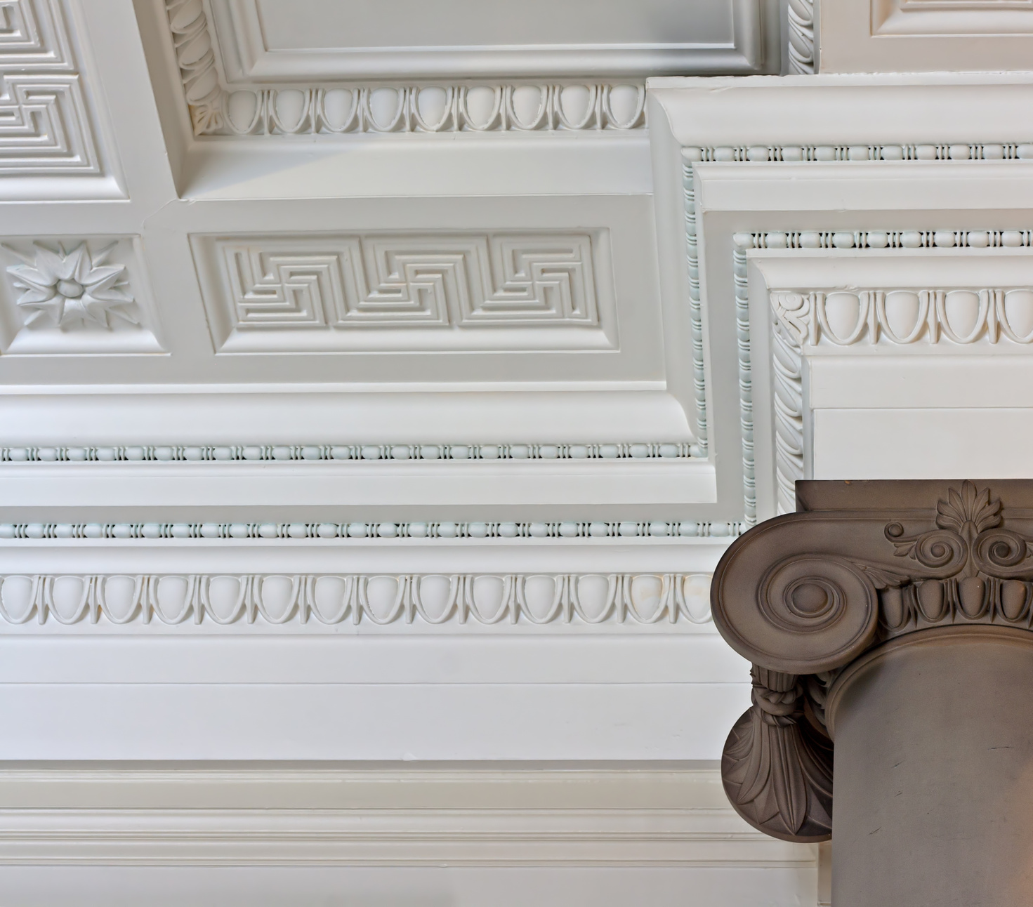 Make Your House Look More Beautiful With The Proper Use Of Cornice