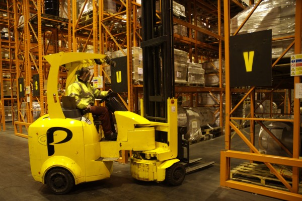 What To Look Out In Very Narrow Aisle Forklifts?