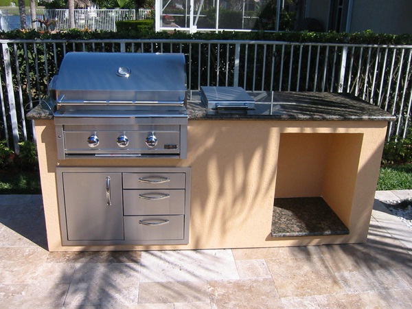 Built In BBQ Grill For Your Outdoor Kitchen