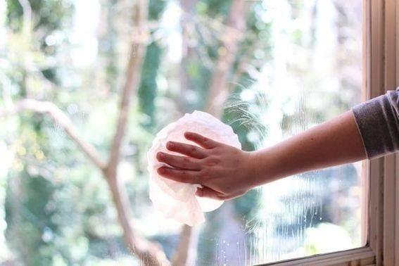 Clever Solutions For Cleaning Glass Windows