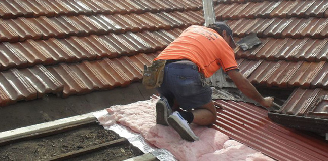 Why You Shouldn't Do Roof Repairs On Your Own