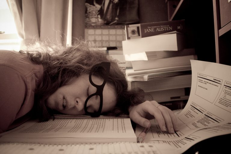 Adrenal Fatigue Syndrome and How It Affects College Students