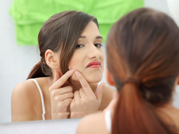 All About Acne and How To Treat It Effectively