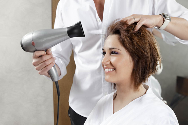 Stop Wasting Your Time In Salon and Get All Beauty Services At Home