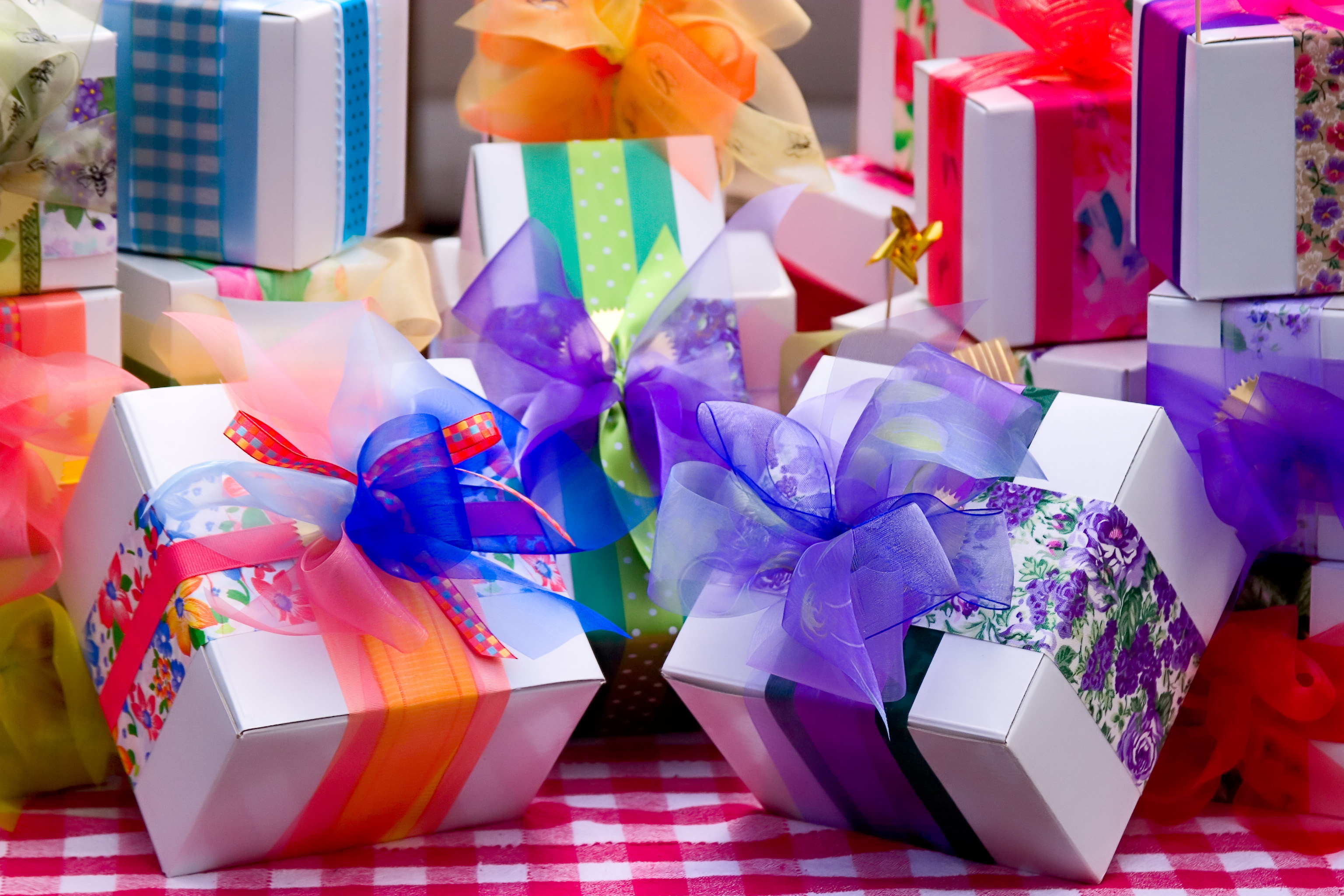 Exclusive Birthday Gifts That You Can Present