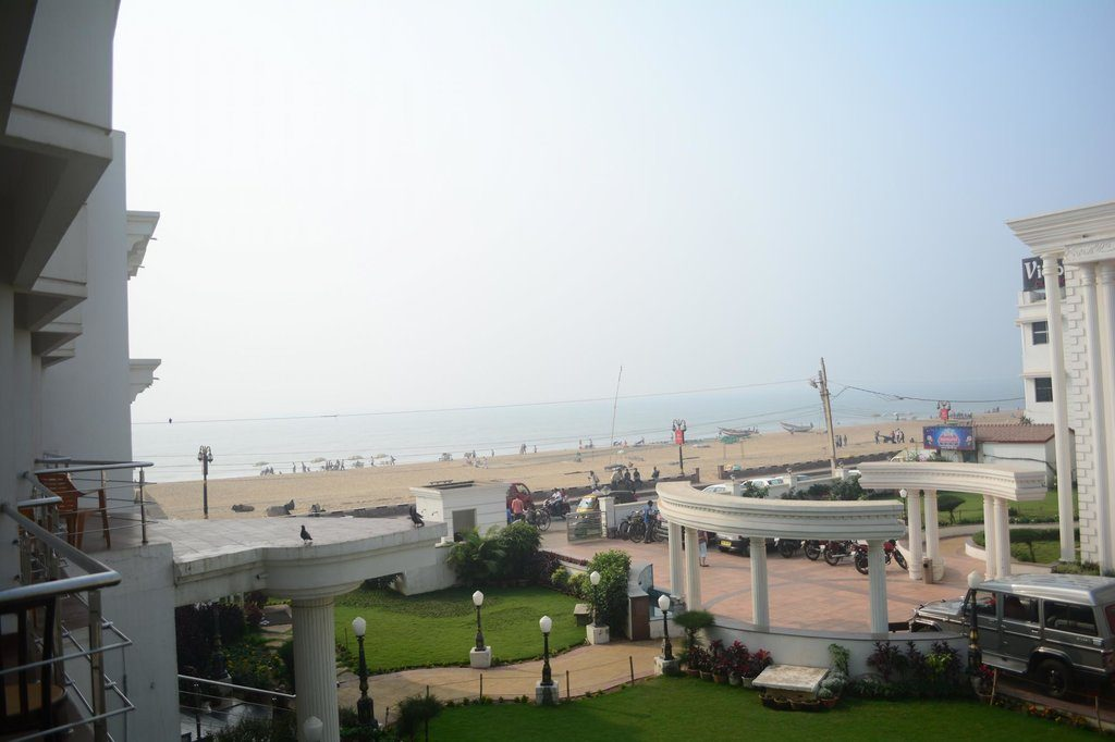 sea-facing-hotels-in-puri